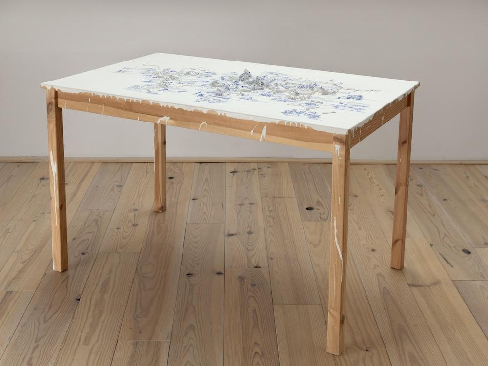Het Paradijs als Restruimte 80 x 120 x 75 cm; Ikea tafel, latex, klei, gesso, fine liner; 2013
